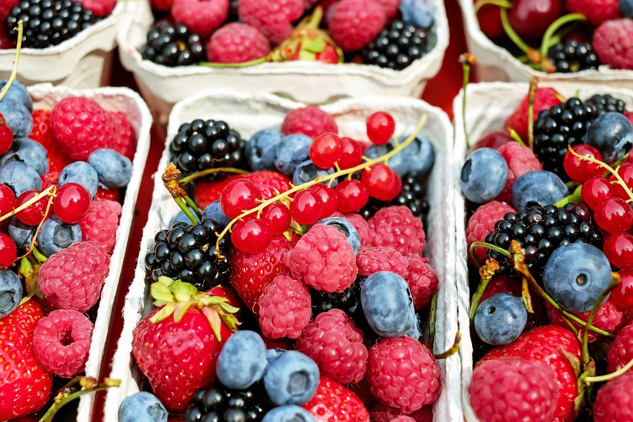 Berries in tray